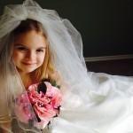 wedding-dress-366543_640